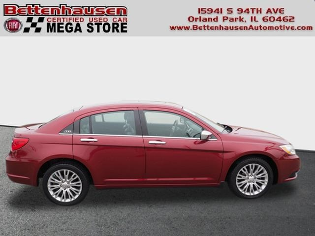 Pre-Owned 2012 Chrysler 200 Limited