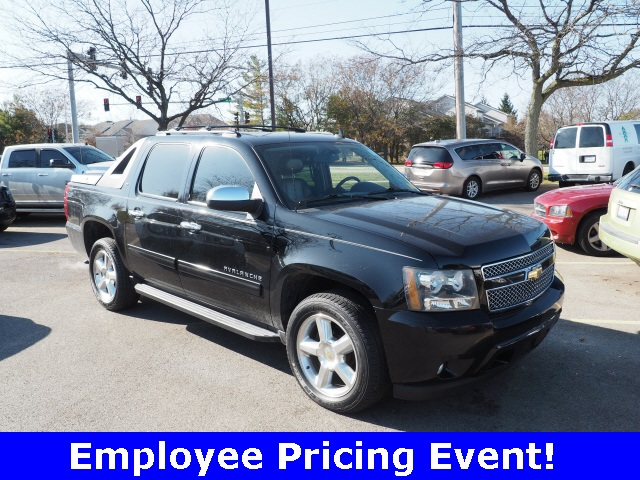 Pre-Owned 2012 Chevrolet Avalanche 1500 LT